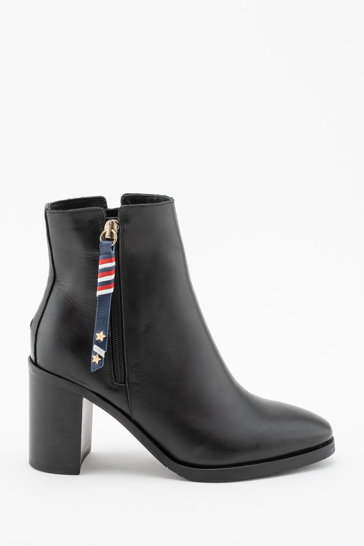 Členkové topánky  - TOMMY HILFIGER CORPORATE TASSEL HEELED BOOT čierne